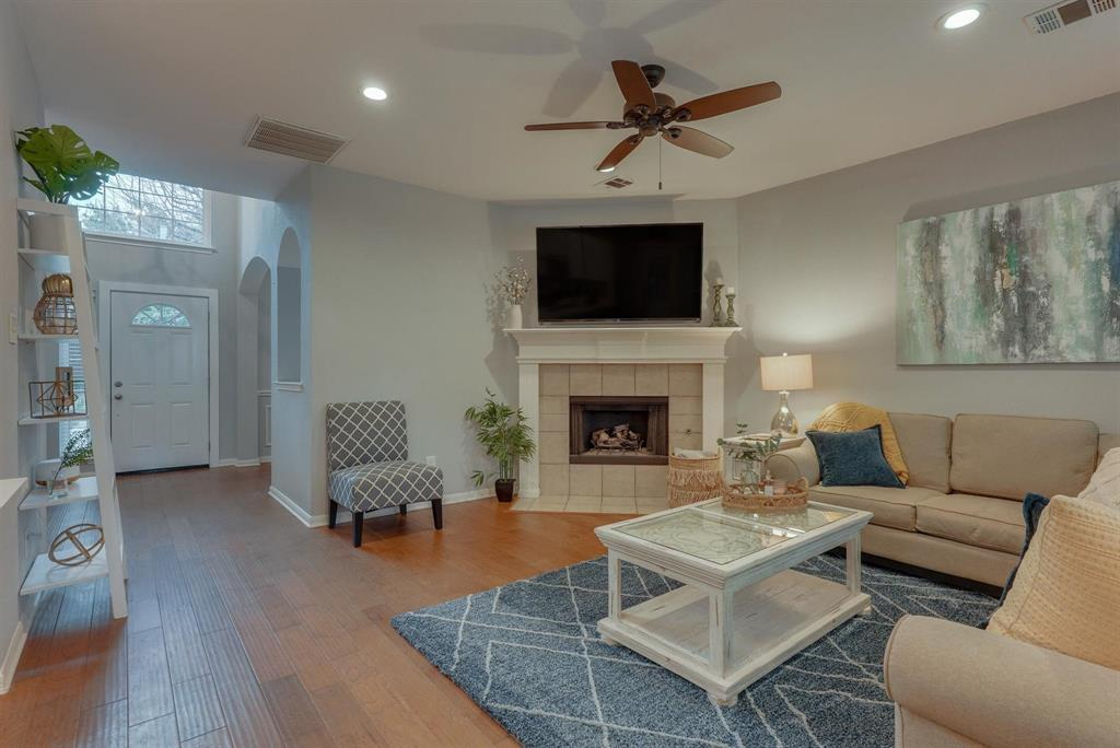 5821 Cypress Cove Drive, The Colony, Texas 75056 - acquisto real estate best real estate company to work for