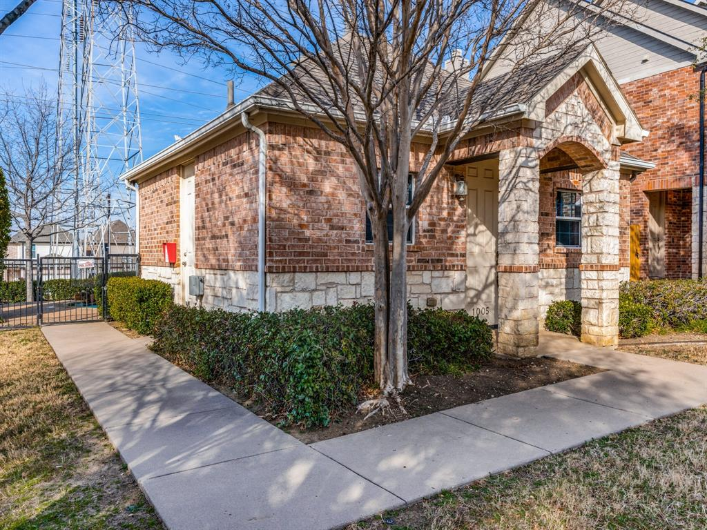 1028 Alyssa Lane, Carrollton, Texas 75006 - acquisto real estate best realtor dfw jody daley liberty high school realtor