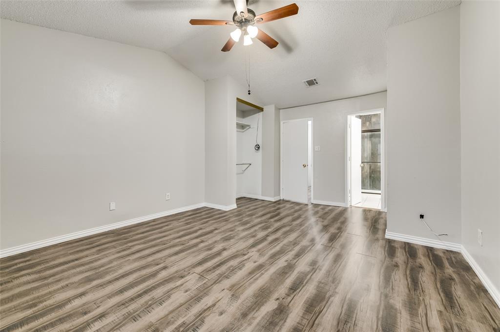 633 Carriagehouse  Lane, Garland, Texas 75040 - acquisto real estate best new home sales realtor linda miller executor real estate