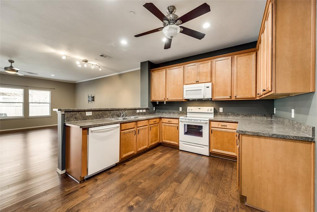 5945 Lost Valley Drive, The Colony, Texas 75056 - acquisto real estate best highland park realtor amy gasperini fast real estate service