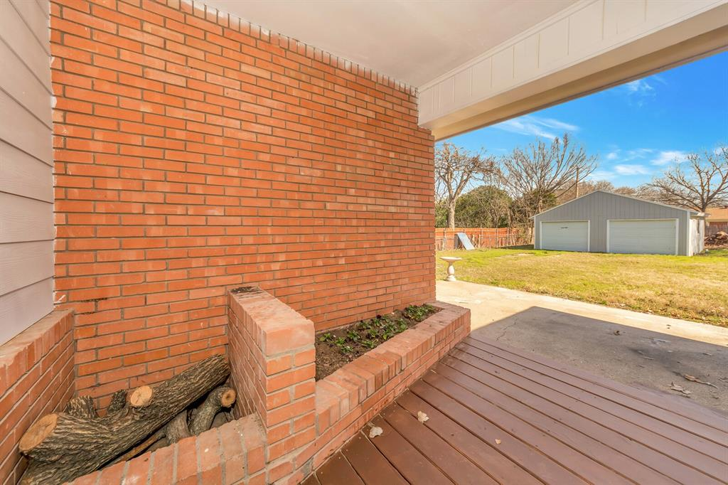 1129 Warden  Street, Benbrook, Texas 76126 - acquisto real estate best new home sales realtor linda miller executor real estate