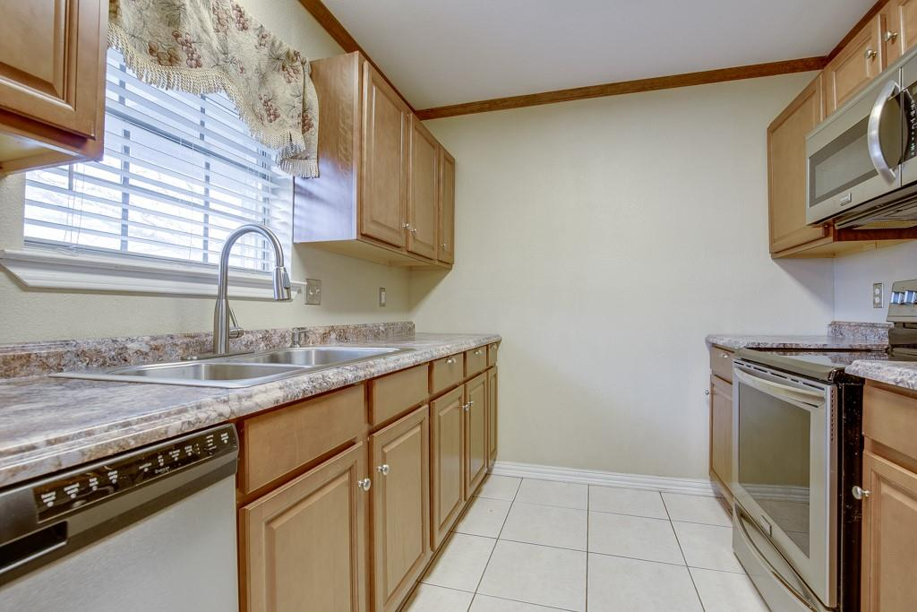 2502 Pecan Street, Commerce, Texas 75428 - acquisto real estate best real estate company to work for