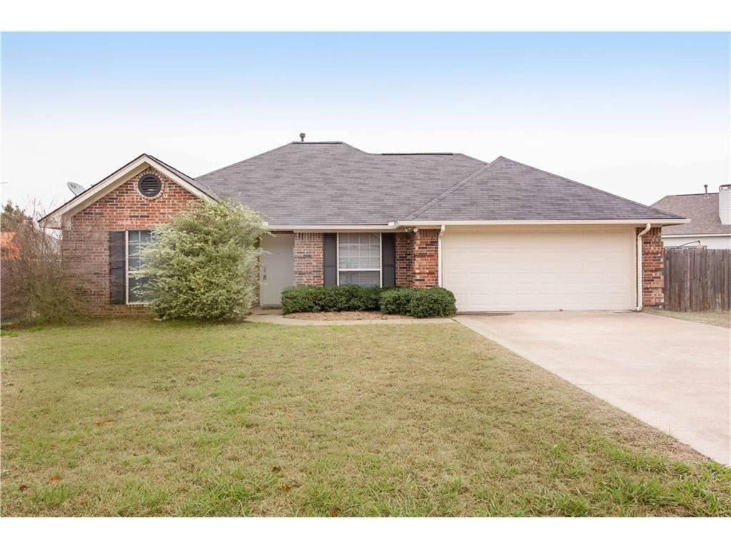 303 Cottonwood Street, Aubrey, Texas 76227 - Acquisto Real Estate best frisco realtor Amy Gasperini 1031 exchange expert