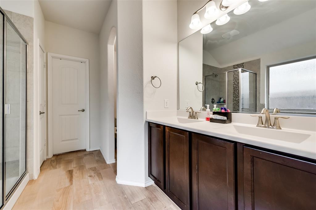 1979 Travertine Avenue, Heartland, Texas 75126 - acquisto real estate best designer and realtor hannah ewing kind realtor