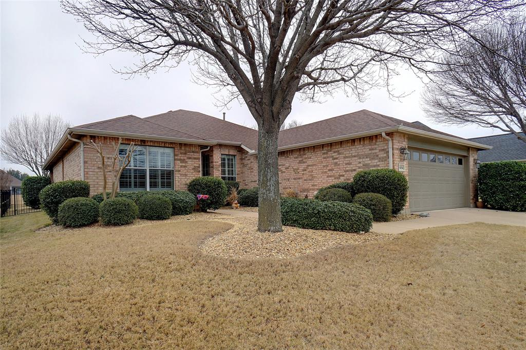 9404 Orangewood Trail, Denton, Texas 76207 - Acquisto Real Estate best plano realtor mike Shepherd home owners association expert