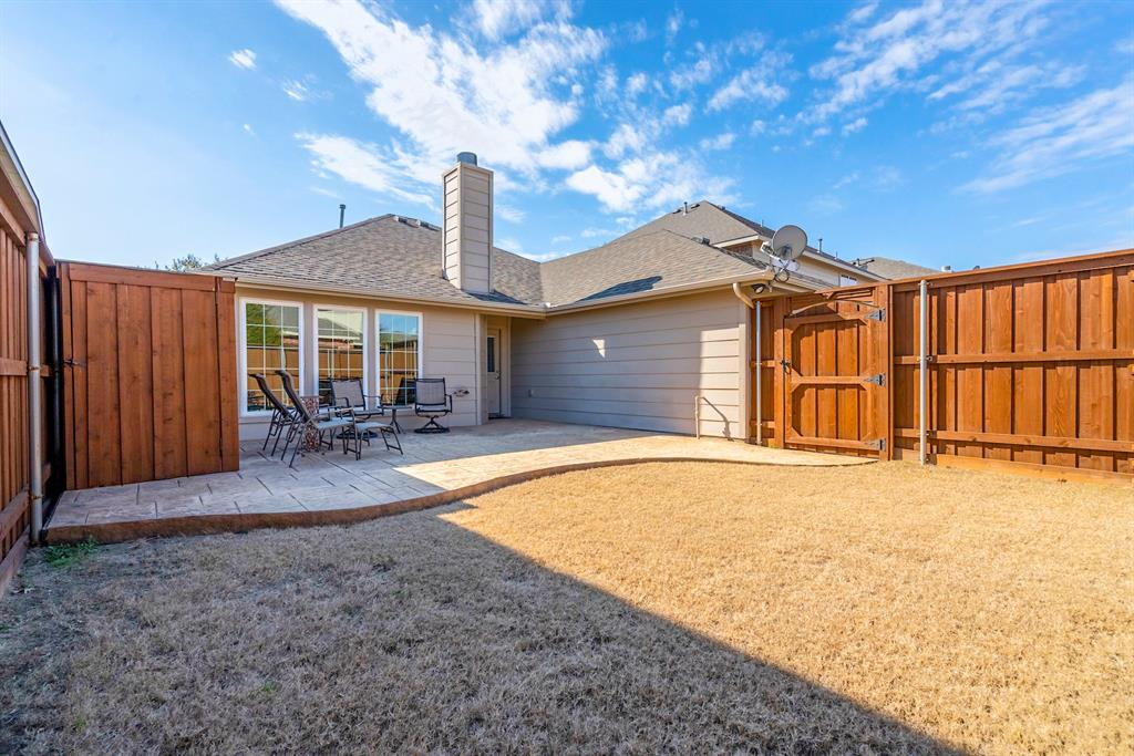 5904 Saddle Club Trail, McKinney, Texas 75070 - acquisto real estate best looking realtor in america shana acquisto