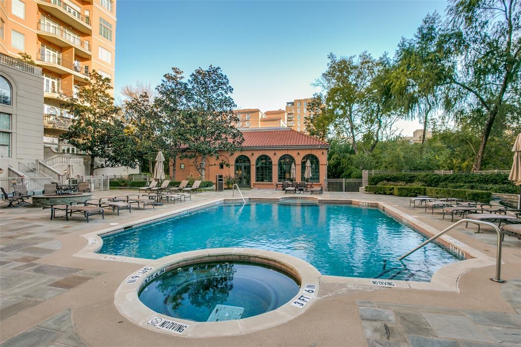 2828 Hood Street, Dallas, Texas 75219 - acquisto real estate best negotiating realtor linda miller declutter realtor