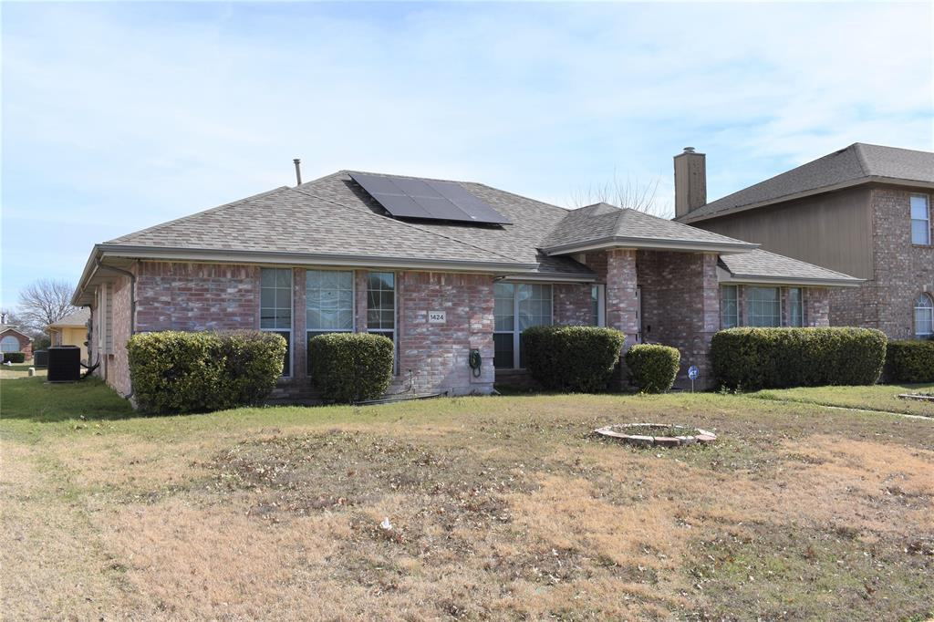 1424 Chapman Drive, Lancaster, Texas 75134 - acquisto real estate best realtor foreclosure real estate mike shepeherd walnut grove realtor