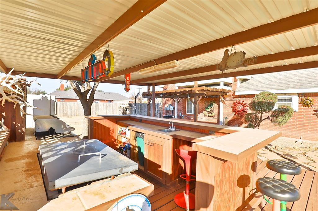 8541 Saddle Creek Road, Abilene, Texas 79602 - acquisto real estate mvp award real estate logan lawrence
