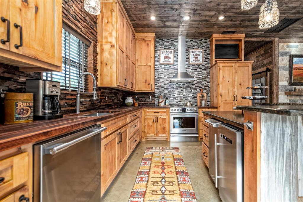 187 County Road 1767 Clifton, Texas 76634 - acquisto real estate best real estate company to work for
