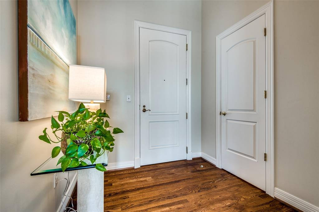 2828 Hood Street, Dallas, Texas 75219 - acquisto real estate best real estate company to work for