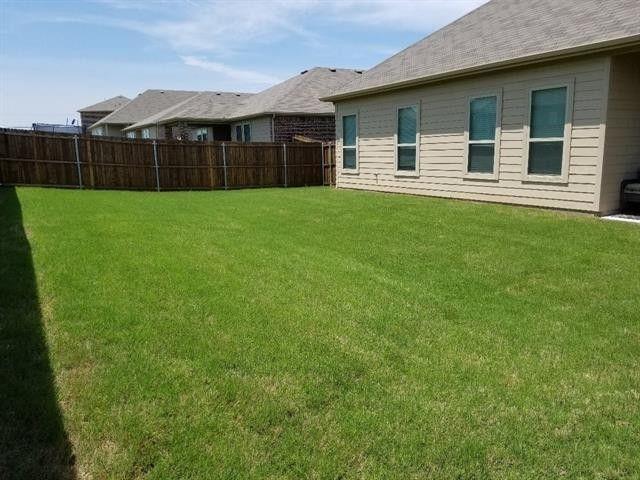 501 Borrow Way, Van Alstyne, Texas 75495 - acquisto real estate best designer and realtor hannah ewing kind realtor