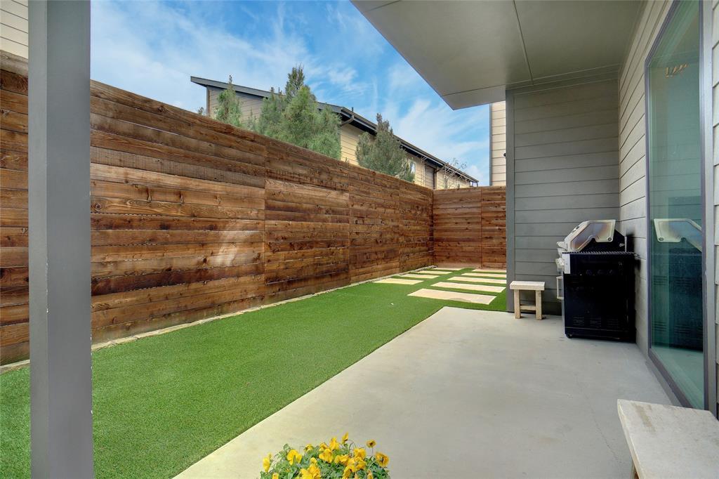 3824 Pine Tree Court, Dallas, Texas 75206 - acquisto real estate mvp award real estate logan lawrence