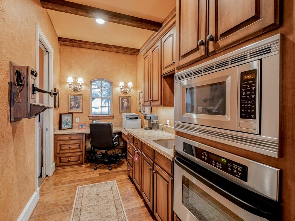 2305 Alexa Court, Granbury, Texas 76048 - acquisto real estate best real estate company in frisco texas real estate showings