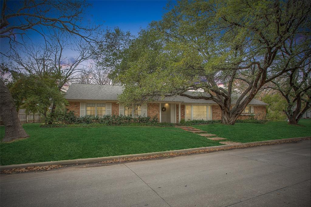 2700 Hartwood Drive, Fort Worth, Texas 76109 - acquisto real estate best the colony realtor linda miller the bridges real estate