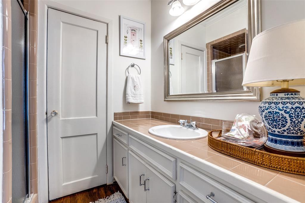 5827 Morningside Avenue, Dallas, Texas 75206 - acquisto real estate best photos for luxury listings amy gasperini quick sale real estate