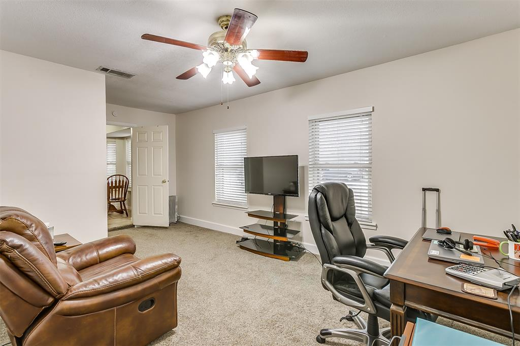 603 Pleasant Manor Avenue, Burleson, Texas 76028 - acquisto real estate best real estate company to work for