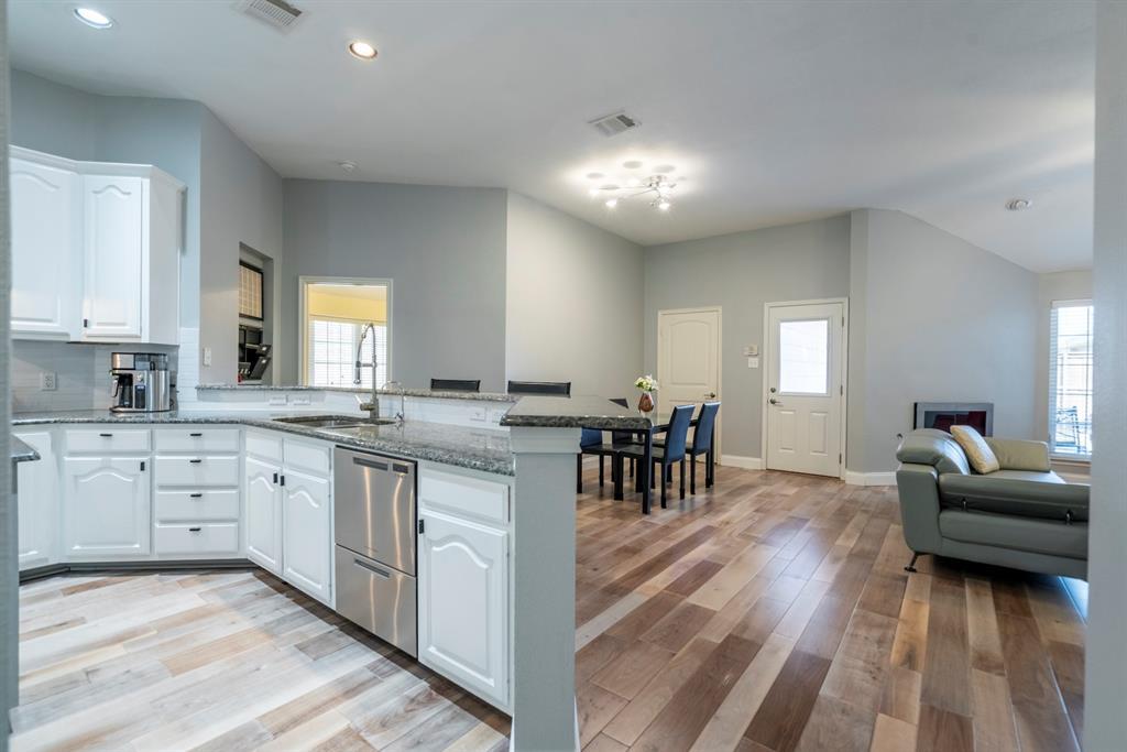 5904 Saddle Club Trail, McKinney, Texas 75070 - acquisto real estate best new home sales realtor linda miller executor real estate