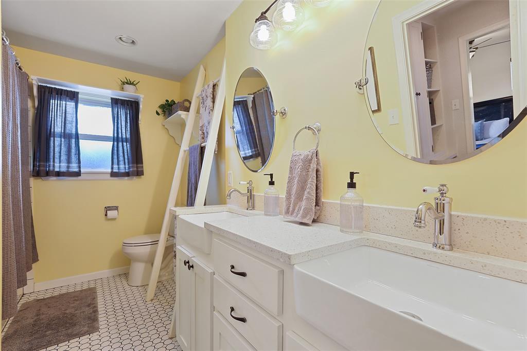 8557 Sweetwood Drive, Dallas, Texas 75228 - acquisto real estate best realtor dfw jody daley liberty high school realtor