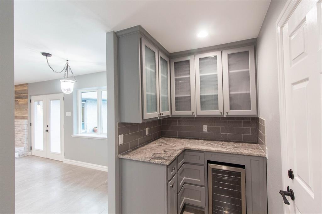 4156 Echo Glen  Drive, Dallas, Texas 75244 - acquisto real estate best investor home specialist mike shepherd relocation expert