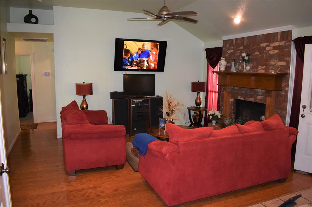 1424 Chapman Drive, Lancaster, Texas 75134 - acquisto real estate best celina realtor logan lawrence best dressed realtor