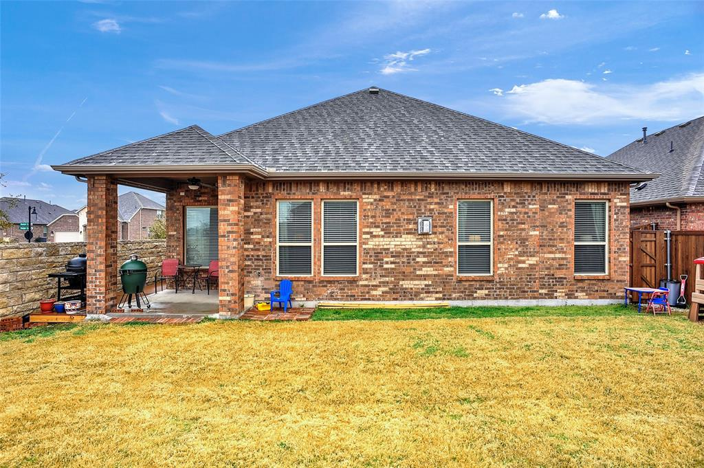 948 Bluebird Way, Celina, Texas 75009 - acquisto real estate best plano real estate agent mike shepherd