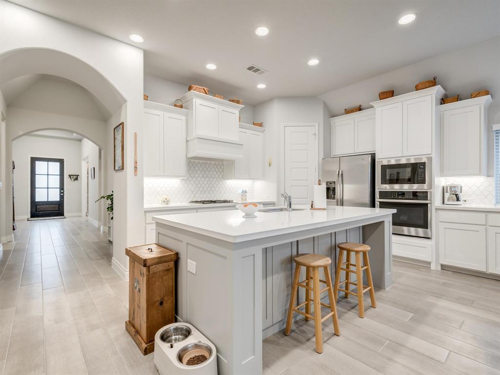 1009 Queens Lake Trail, McKinney, Texas 75071 - acquisto real estate best highland park realtor amy gasperini fast real estate service
