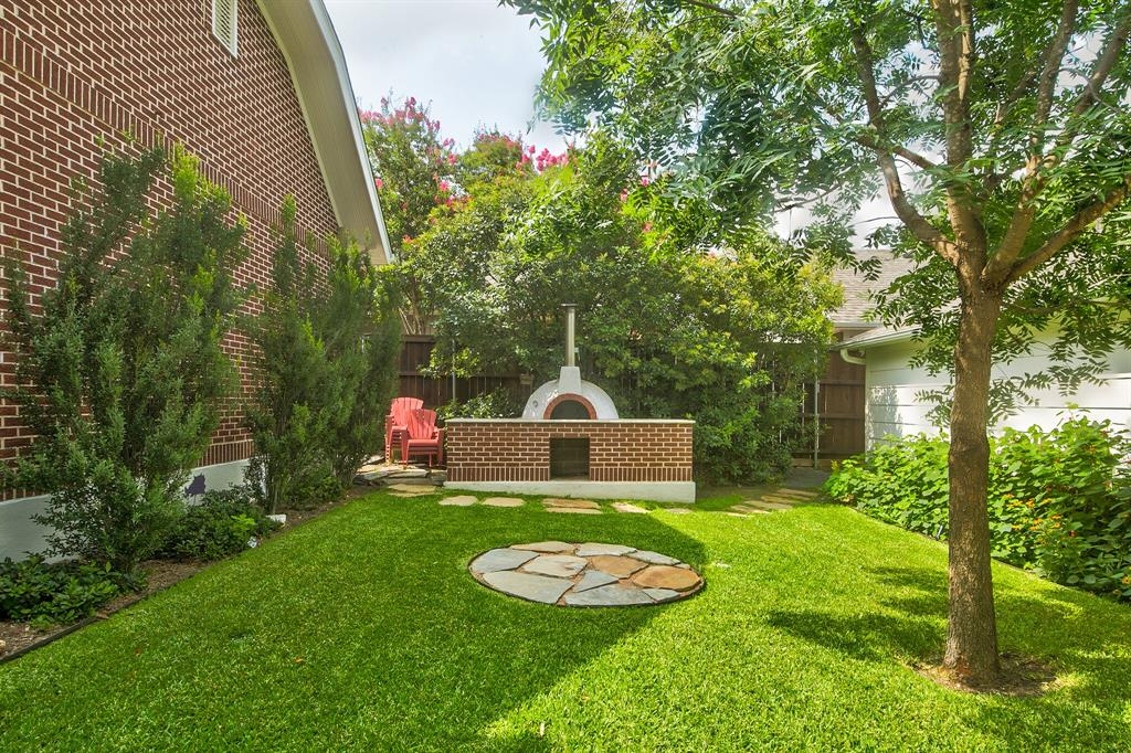 2434 Wabash Avenue, Fort Worth, Texas 76109 - acquisto real estate mvp award real estate logan lawrence