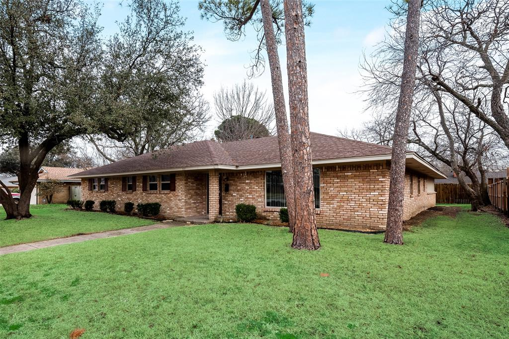 717 Finland Street, Grand Prairie, Texas 75050 - Acquisto Real Estate best frisco realtor Amy Gasperini 1031 exchange expert