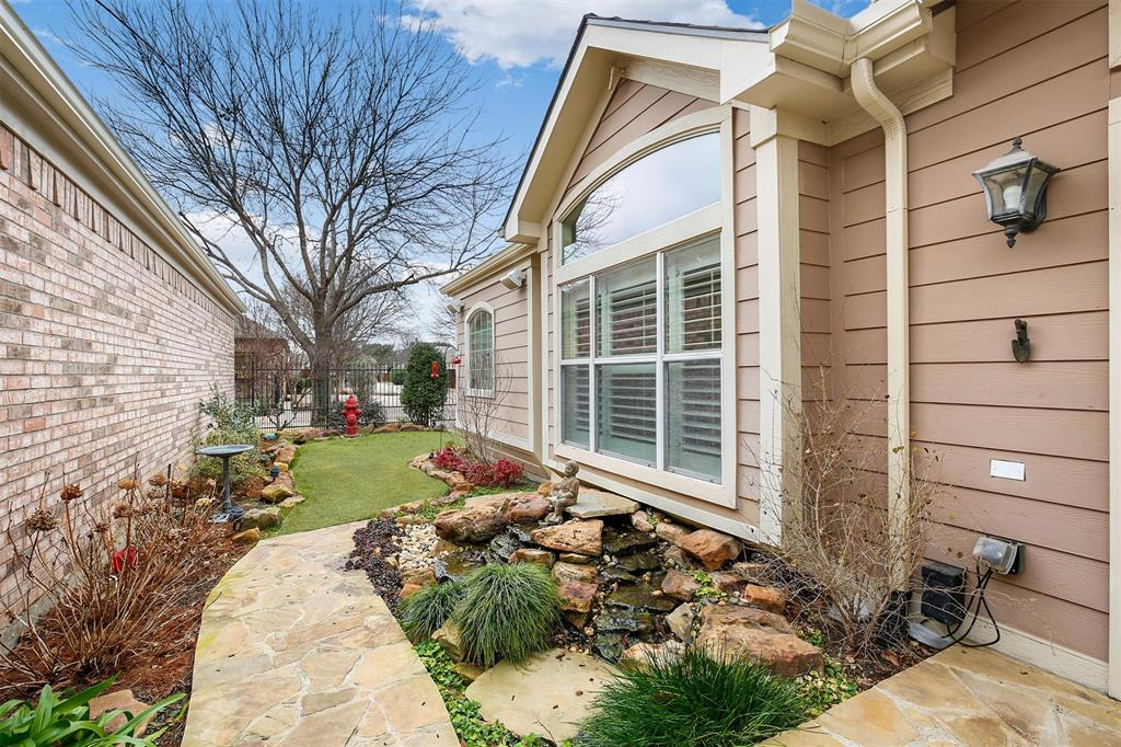 6105 Lake Way, North Richland Hills, Texas 76180 - acquisto real estate best plano real estate agent mike shepherd