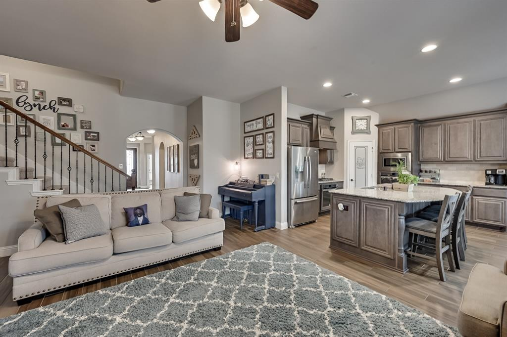1617 Wright Street, Savannah, Texas 76227 - acquisto real estaet best boutique real estate firm in texas for high net worth sellers