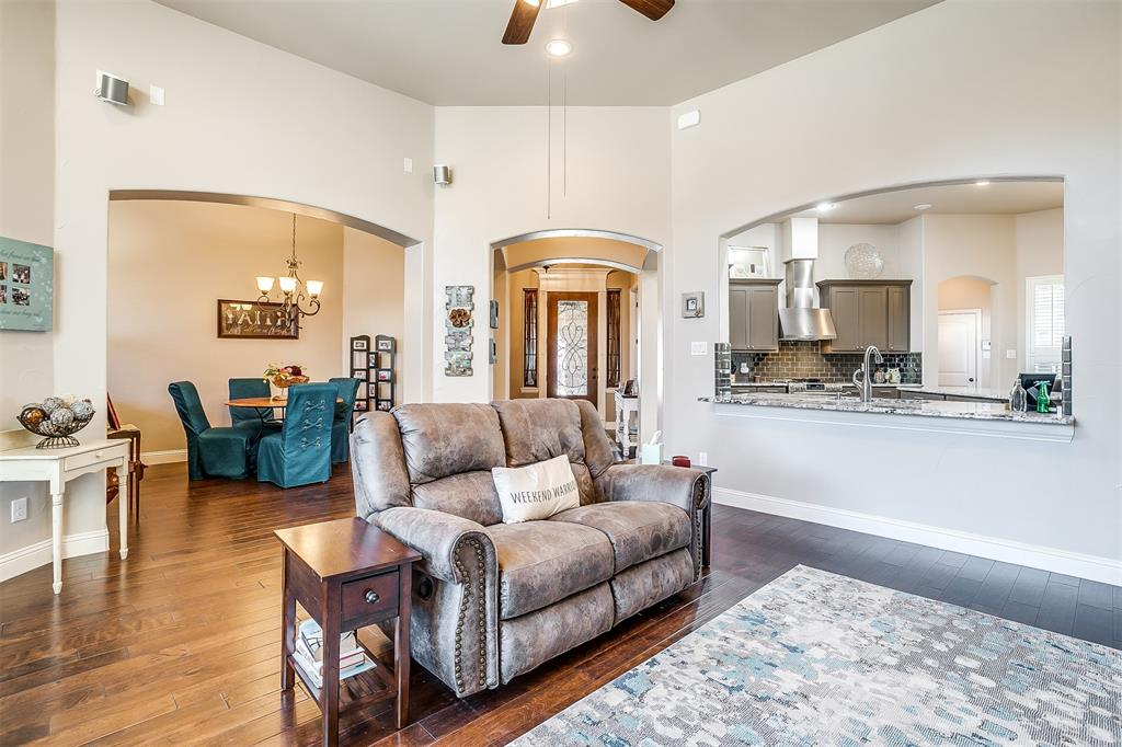157 Diablo Drive, Burleson, Texas 76028 - acquisto real estate best real estate company to work for