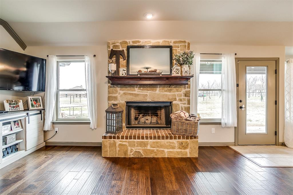 9941 County Road 915 Godley, Texas 76044 - acquisto real estate best real estate company to work for