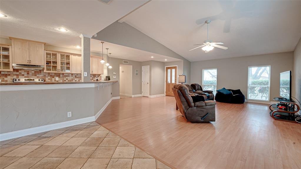 928 Mossvine Drive, Plano, Texas 75023 - acquisto real estate best highland park realtor amy gasperini fast real estate service