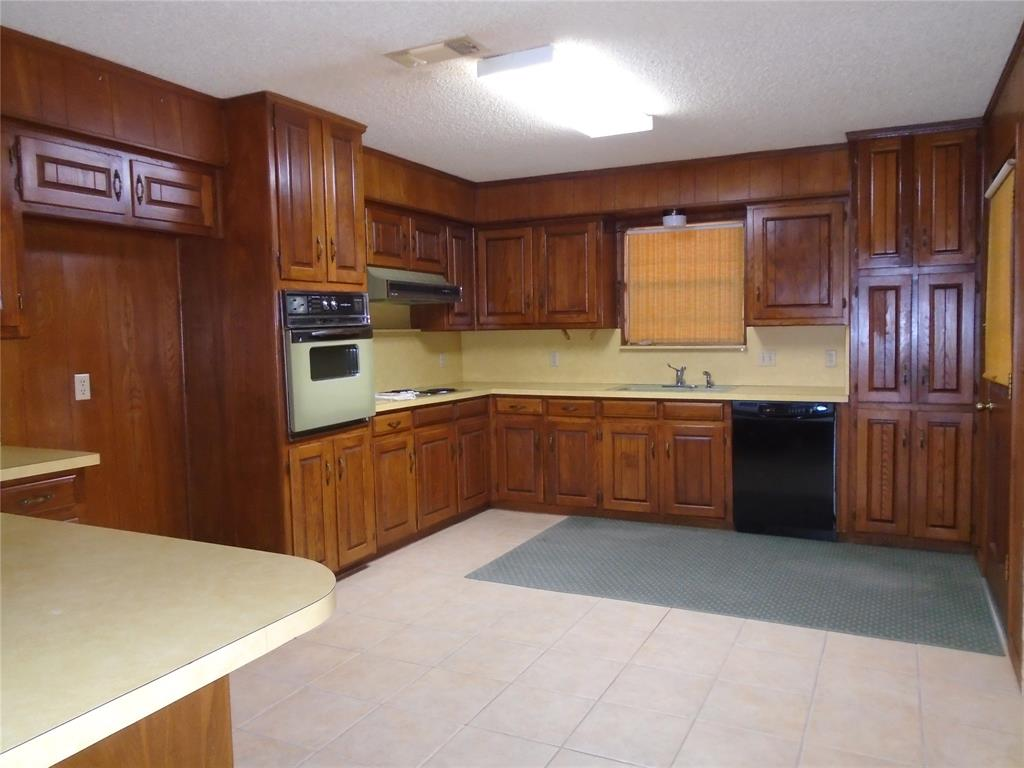 112 Ricky Lane, Burleson, Texas 76028 - acquisto real estate best prosper realtor susan cancemi windfarms realtor