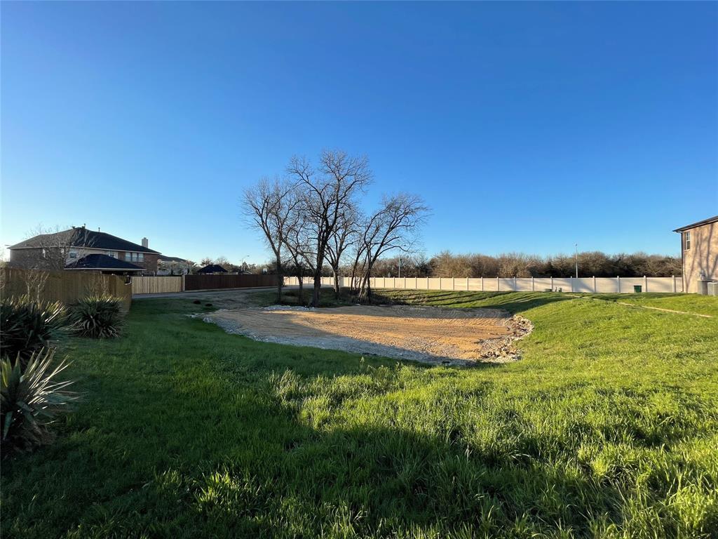 18 Elk Pass, Cedar Hill, Texas 75104 - Acquisto Real Estate best plano realtor mike Shepherd home owners association expert