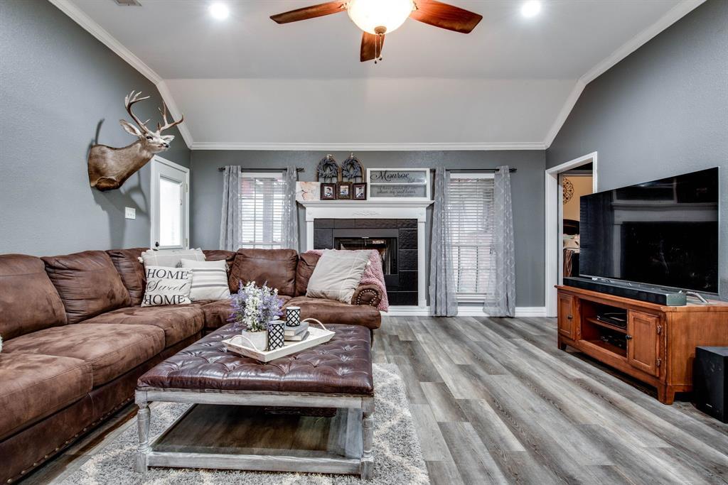 305 Blackmon Trail, Bells, Texas 75414 - acquisto real estate best celina realtor logan lawrence best dressed realtor