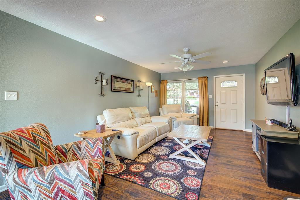 512 Davis Street, Sulphur Springs, Texas 75482 - acquisto real estate best flower mound realtor jody daley lake highalands agent of the year