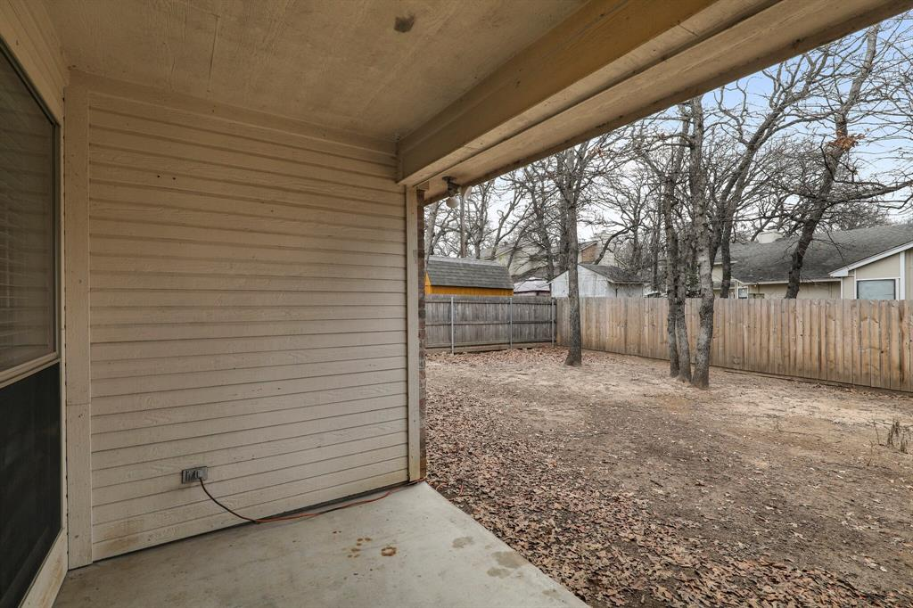 409 Meadowcrest Drive, Azle, Texas 76020 - acquisto real estate best the colony realtor linda miller the bridges real estate