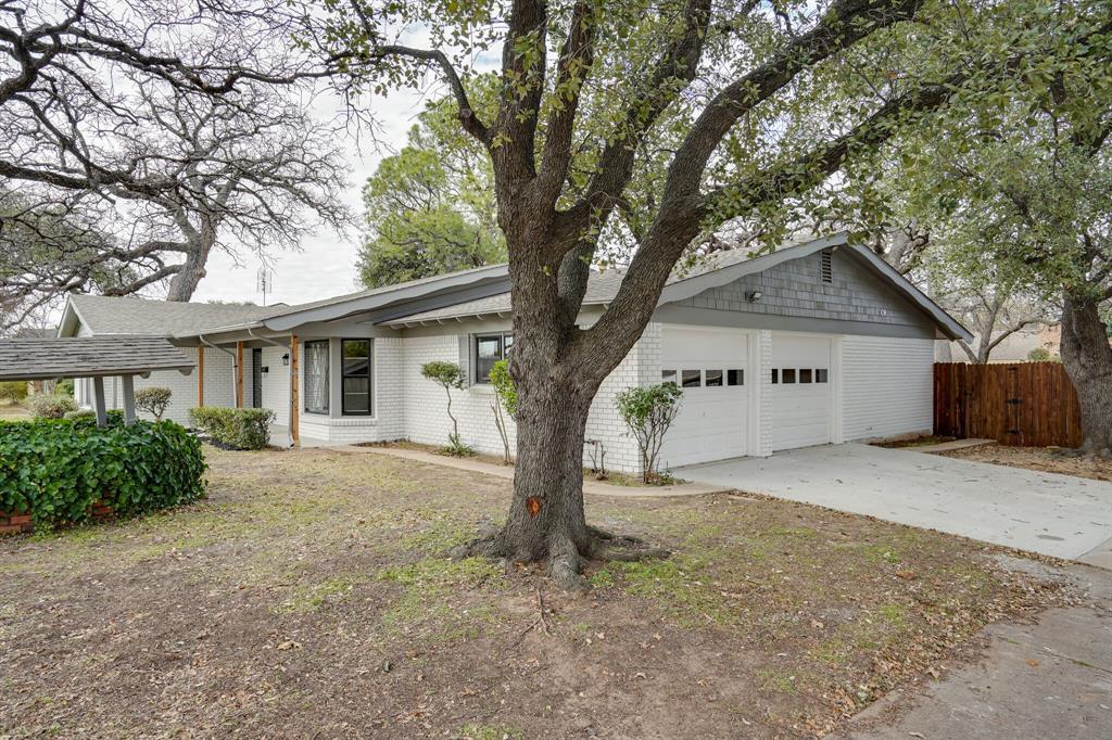 400 Plainview Drive, Hurst, Texas 76054 - acquisto real estate best prosper realtor susan cancemi windfarms realtor