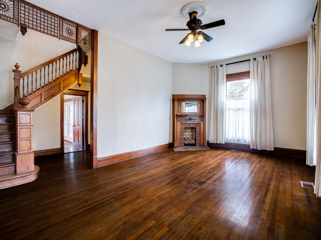 601 Parker Street, McKinney, Texas 75069 - acquisto real estate best highland park realtor amy gasperini fast real estate service