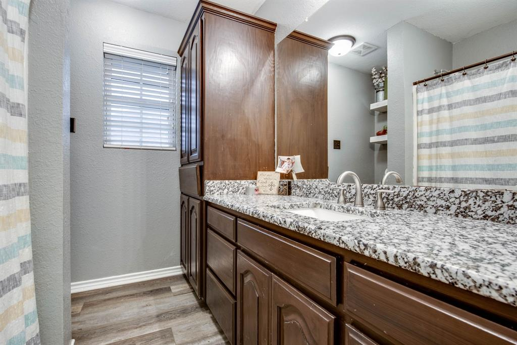 305 Blackmon Trail, Bells, Texas 75414 - acquisto real estate best realtor dallas texas linda miller agent for cultural buyers