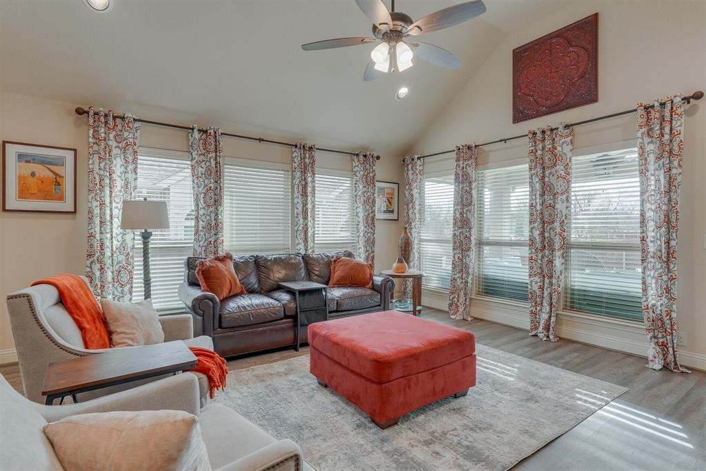 805 Foxtail Drive, Mansfield, Texas 76063 - acquisto real estate best flower mound realtor jody daley lake highalands agent of the year