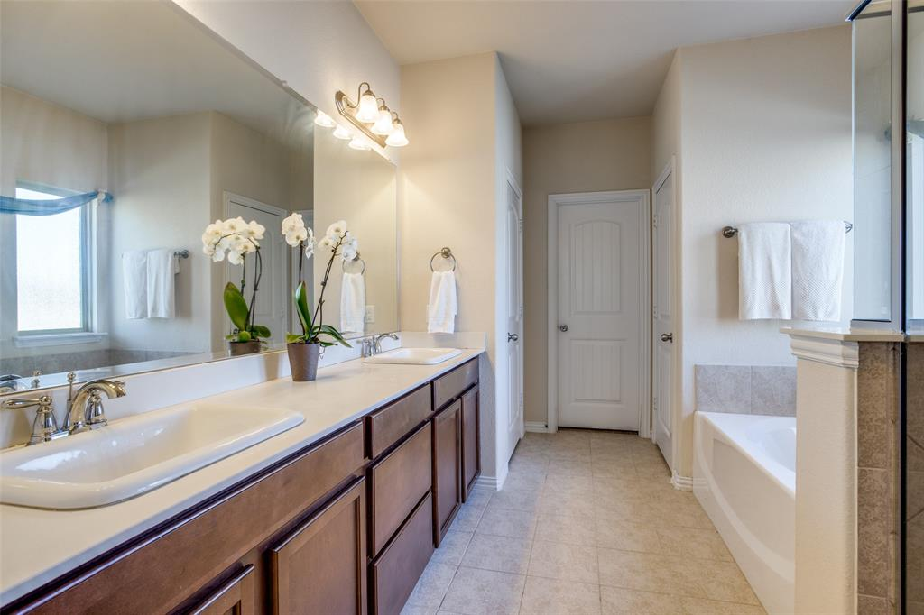 701 Spring Falls Drive, McKinney, Texas 75071 - acquisto real estate best photos for luxury listings amy gasperini quick sale real estate