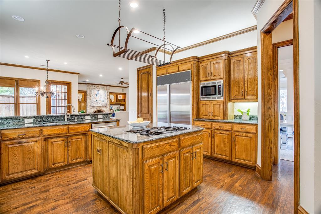 7318 Colgate Avenue, Dallas, Texas 75225 - acquisto real estate best photos for luxury listings amy gasperini quick sale real estate