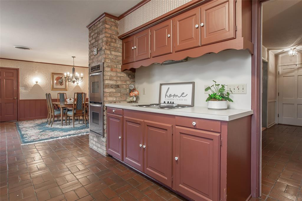 2700 Hartwood Drive, Fort Worth, Texas 76109 - acquisto real estate best frisco real estate agent amy gasperini panther creek realtor