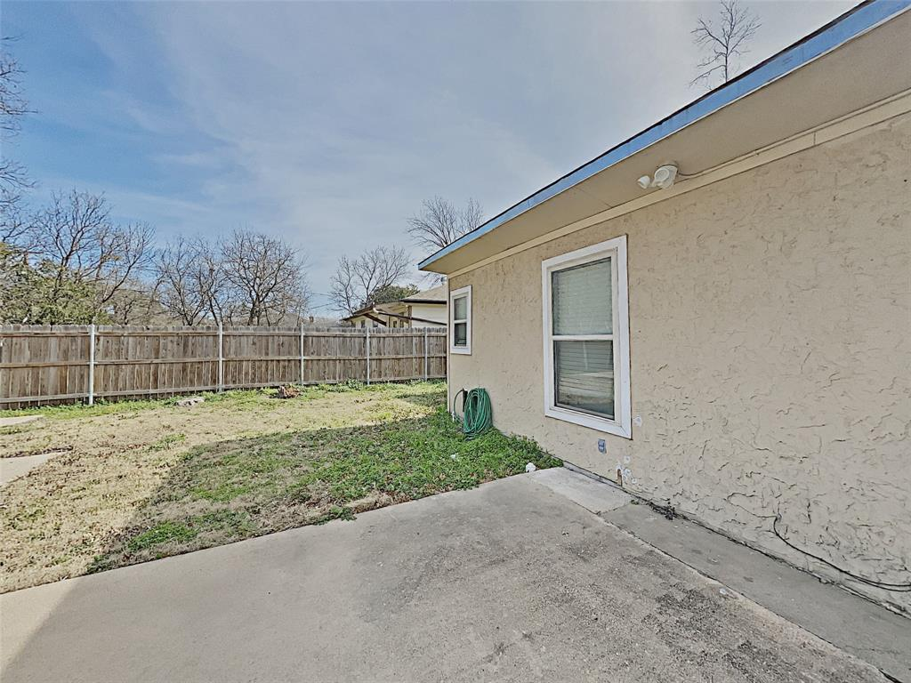 2712 Mission Street, Fort Worth, Texas 76109 - acquisto real estate best investor home specialist mike shepherd relocation expert