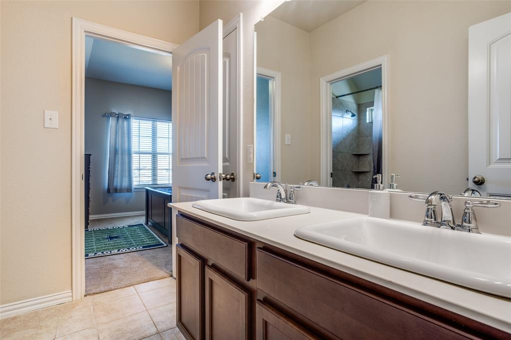701 Spring Falls Drive, McKinney, Texas 75071 - acquisto real estate best realtor dallas texas linda miller agent for cultural buyers