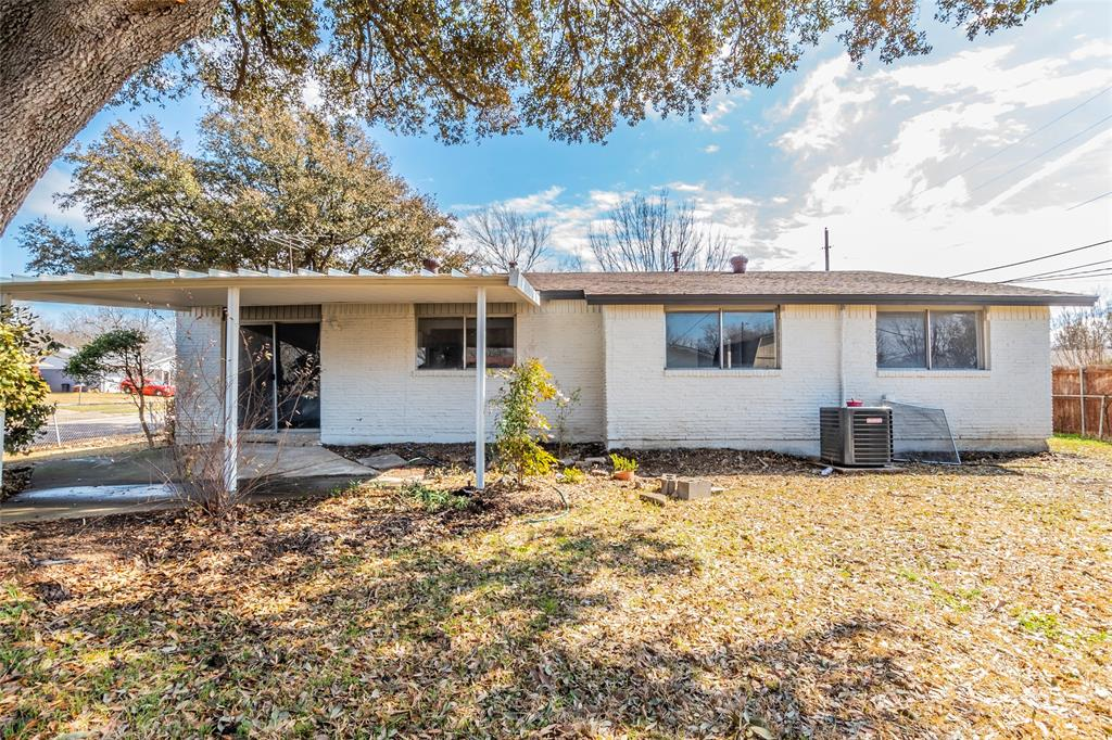 3025 Steven Street, Irving, Texas 75062 - acquisto real estate best realtor dallas texas linda miller agent for cultural buyers
