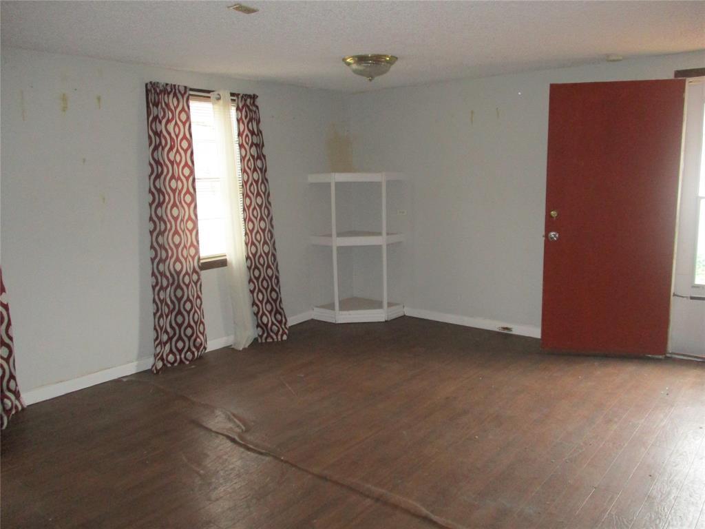 528 Wilson Street, Lancaster, Texas 75146 - acquisto real estate best investor home specialist mike shepherd relocation expert